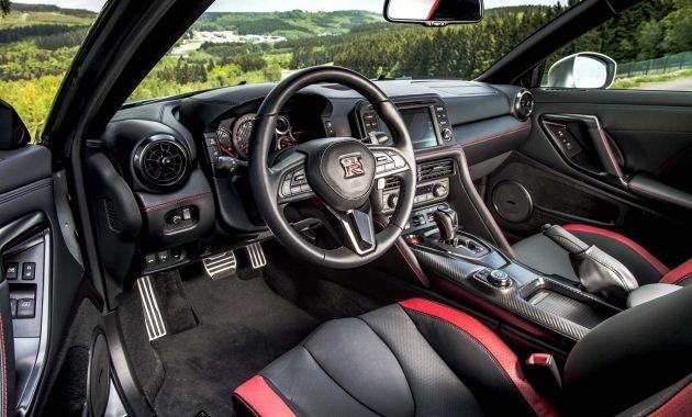 2018 Nissan GT-R Nismo interior