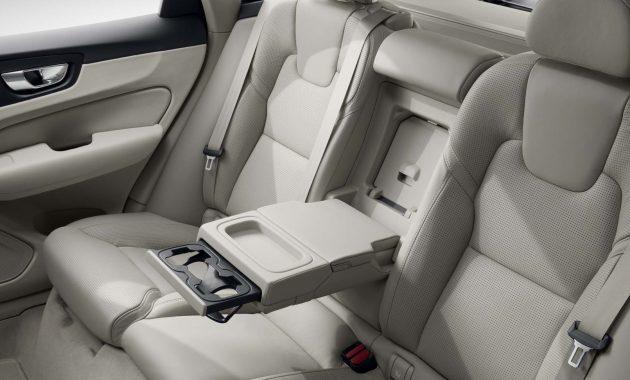 2018 Volvo XC90 interior