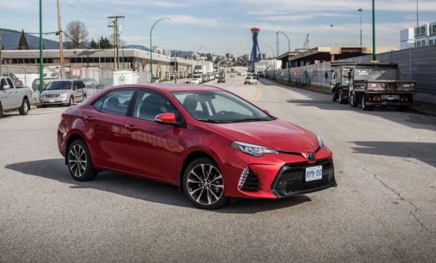 Toyota Corolla Vs Toyota Camry 2018
